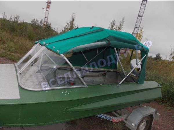 Обь-1.<br>Стекло в рамке с калиткой для выхода на нос 13