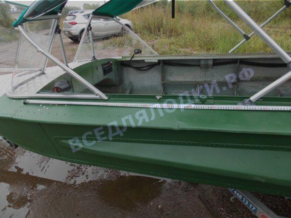 Обь-1.<br>Стекло в рамке с калиткой для выхода на нос 21