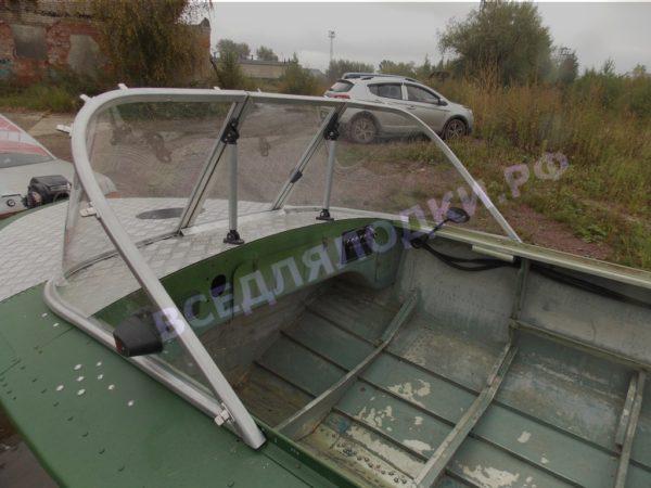 Обь-1.<br>Стекло в рамке с калиткой для выхода на нос 27