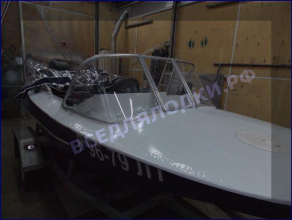 Обь-1.<br>Стекло в рамке с калиткой для выхода на нос 2
