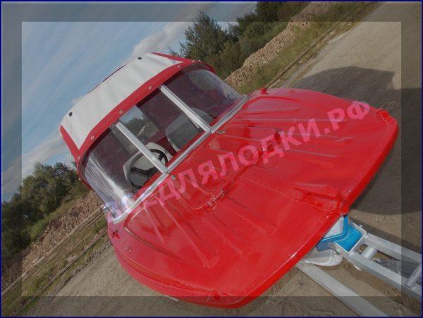 Казанка-5.<br>Стекло в рамке с калиткой для выхода на нос 24