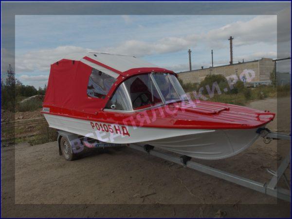 Казанка-5.<br>Стекло в рамке с калиткой для выхода на нос 26