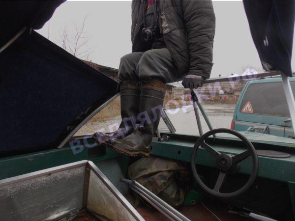 Крым. <br>Стекло в рамке с калиткой для выхода на нос 19