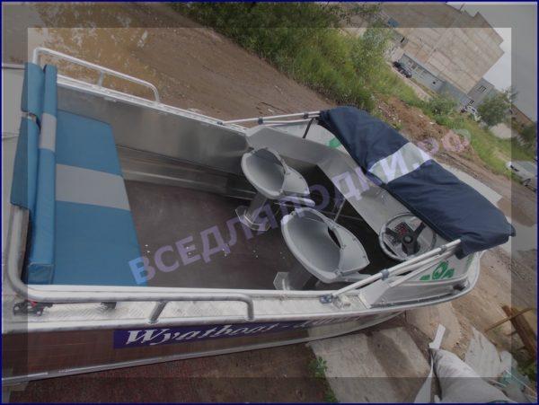 Вятьбот 430М. (Wyatboat-430M). Подушки на задний рундук. 1