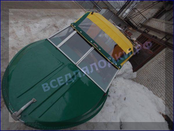 Крым-М. Стекло в рамке с калиткой для выхода на нос 20